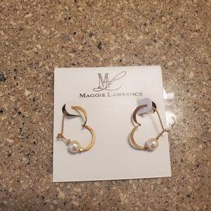 Heart shape earrings with pearls